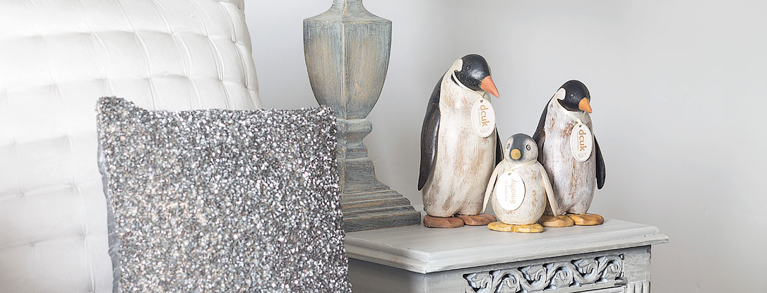 Painted Finish Emperor Penguins